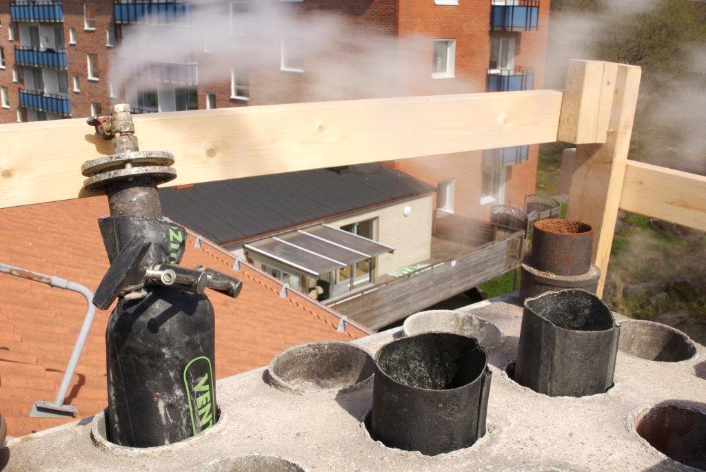 Гильзование дымохода полимерной трубой ФуранФлекс