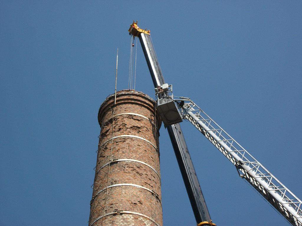 Монтаж промышленного дымохода парового котла на заводе низковольтной аппаратуры (Черкесск)